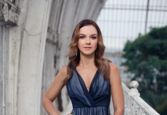 Marina Shamara / Makeup: Olga Stepp, Evgenij Gribov / Photography: Igor Fain / Dress: Edem