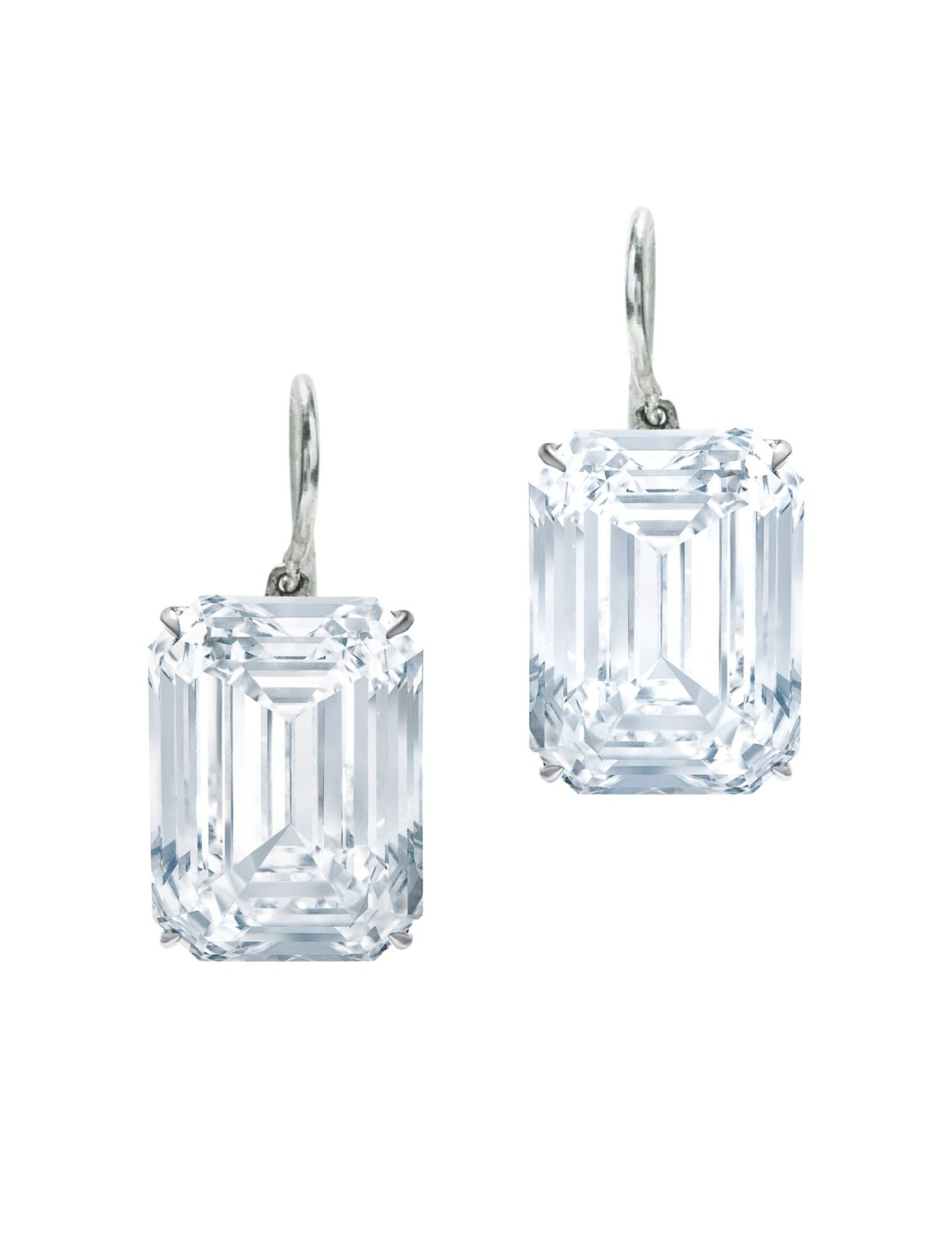 Pair of diamond earrings, estimate CHF1,500,000-2,500,000