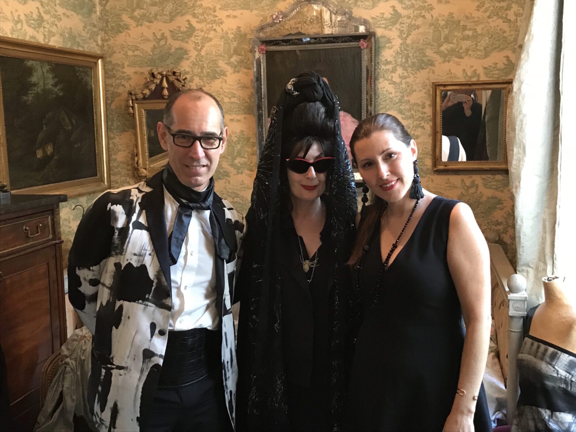 Couturier Gustavo Lïns, Diane Pernet and event creative director Nathalie Dionne / Photo: Jean de Reydellet