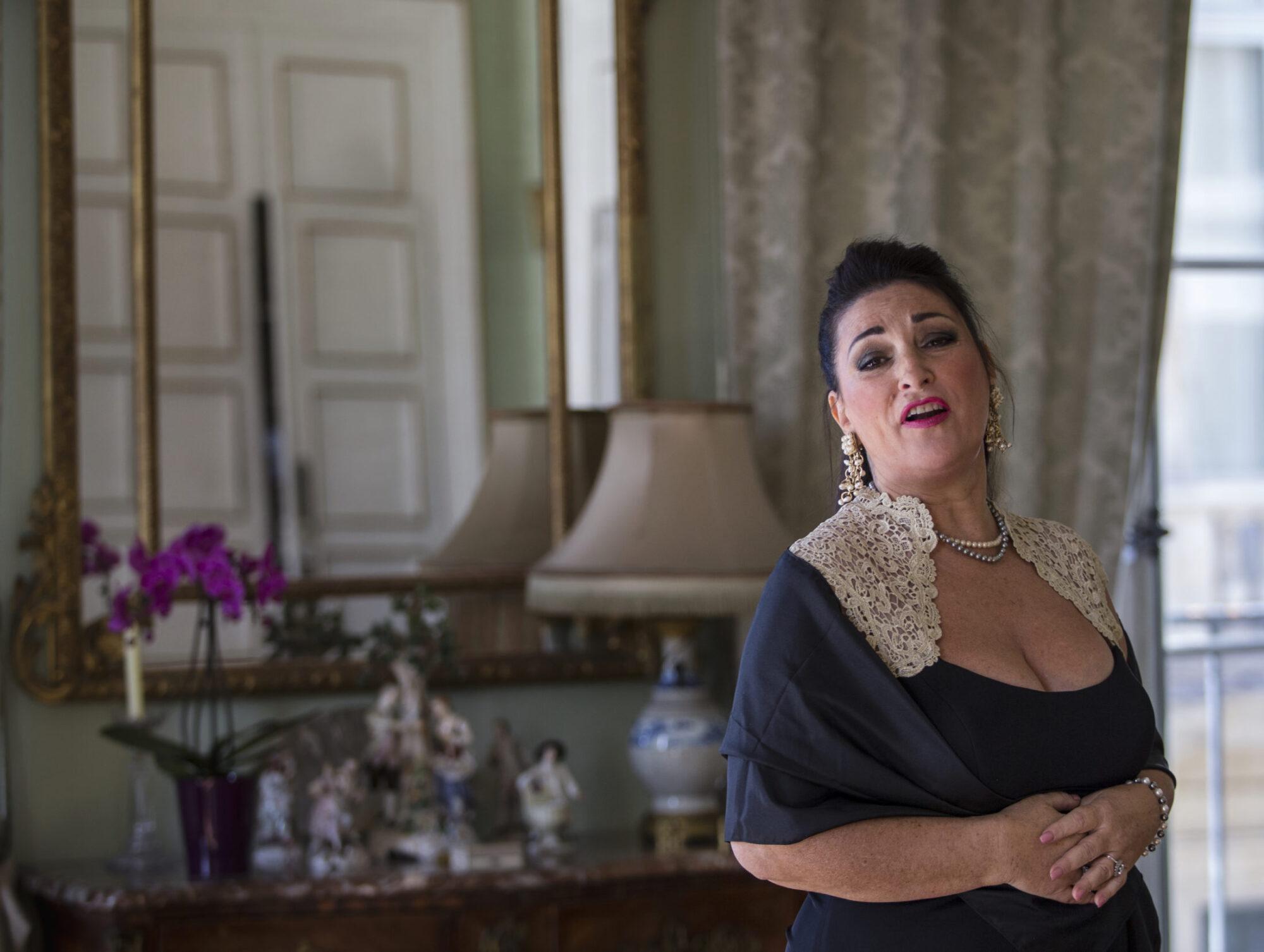"Valeria Marie Florencio singing ""Je te veux de Satie"", Misia's favorite composer / Photo: Neha Ganeriwal"