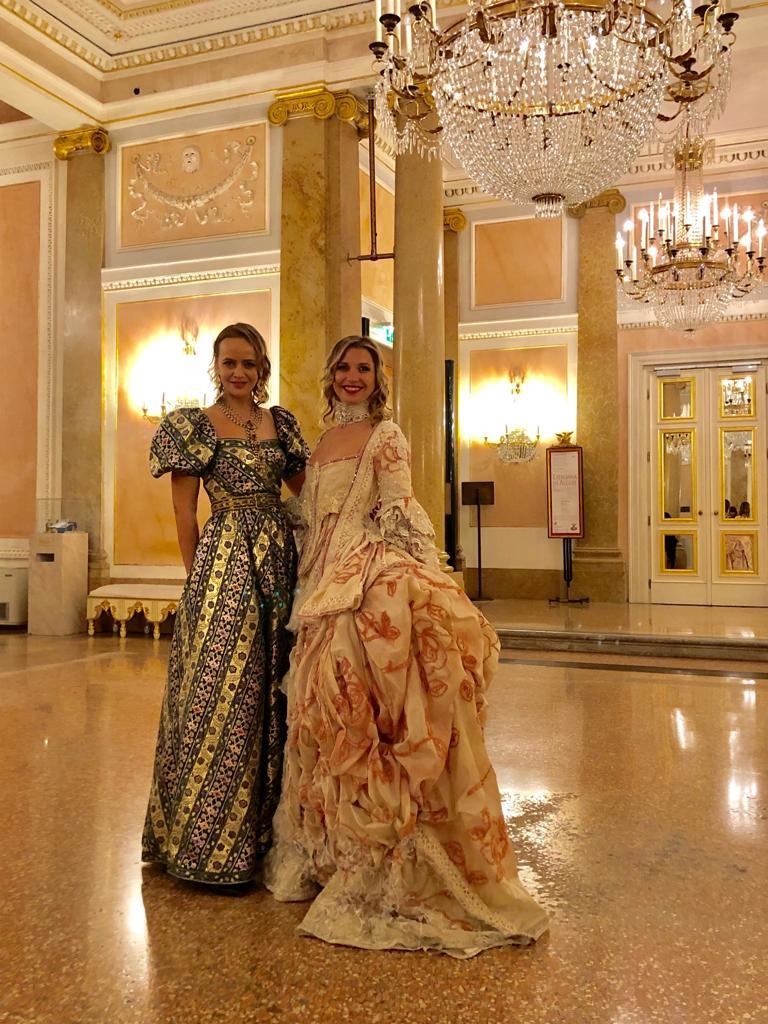 Ольга Лефферс (компания по продаже винтажных платьев Vintage Dream) и Анастасия Воронцова в Венеции / Фото: Анна Антосик
