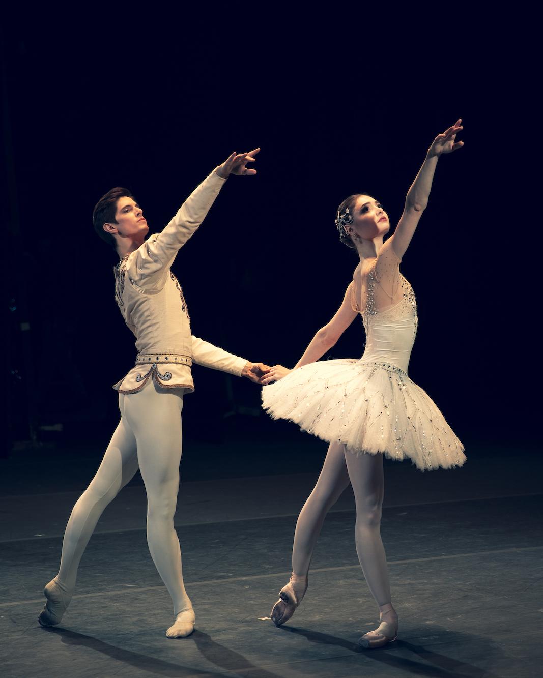 Alyona Kovalyova and Xander Parish in Diamonds_Photo_Andre Uspenski
