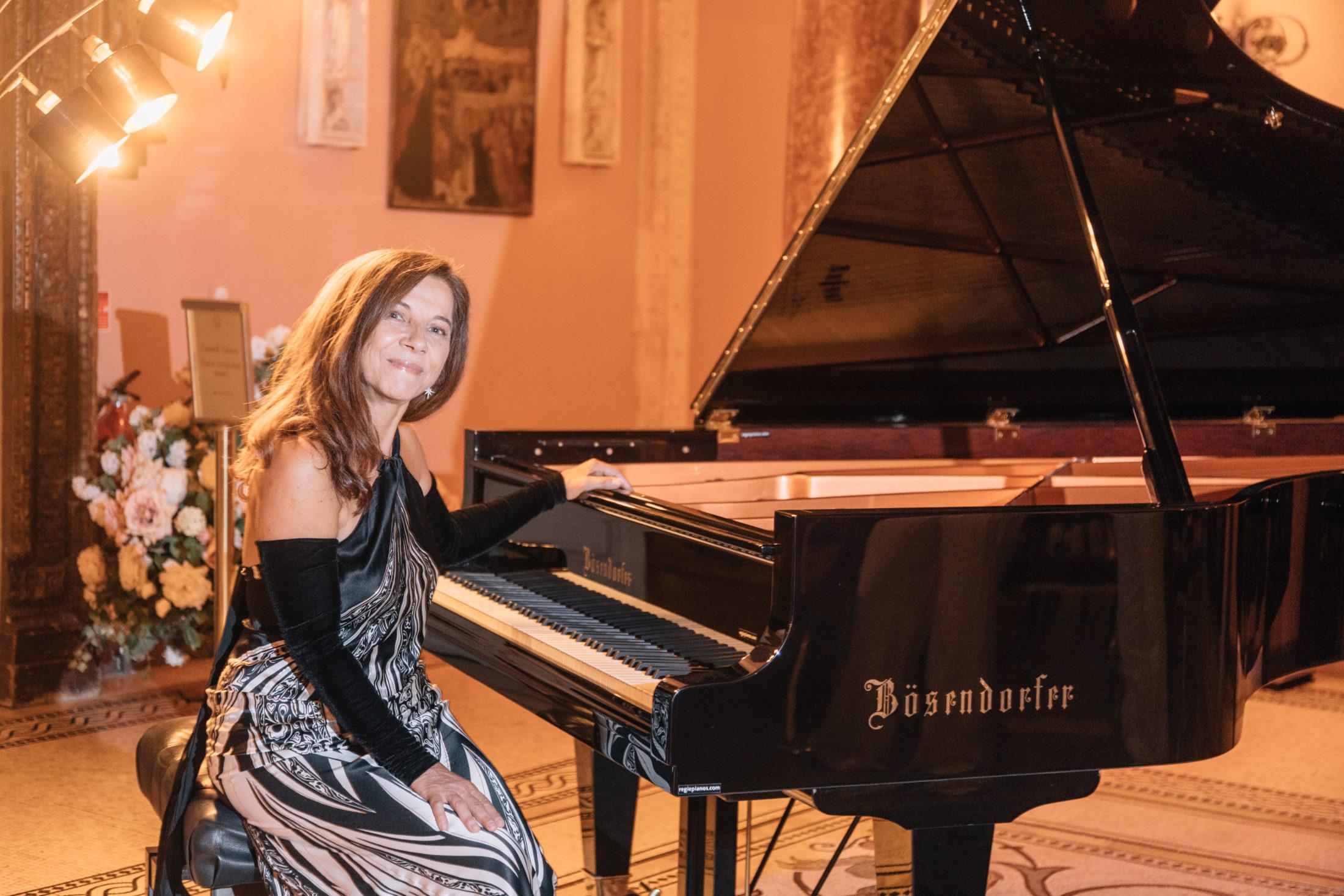 Пианист Татьяна Смелова