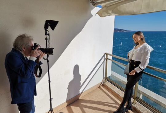 Jean-Daniel Lorieux shooting Charlotte Sine in Monaco for Thalie Paris