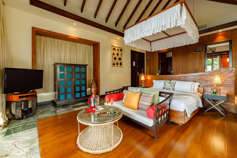 OZEN RESERVE BOLIFUSHI - Earth Pool Villa - Master Bedroom 2