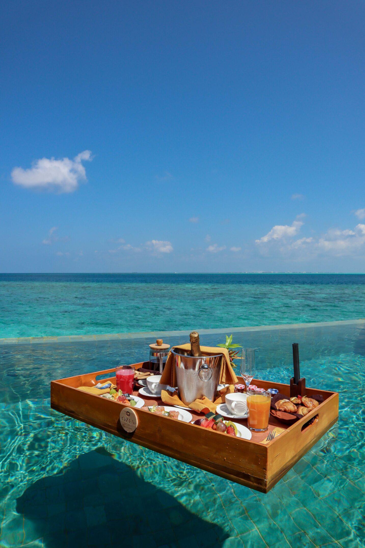 OZEN RESERVE BOLIFUSHI - Floating Breakfast 2