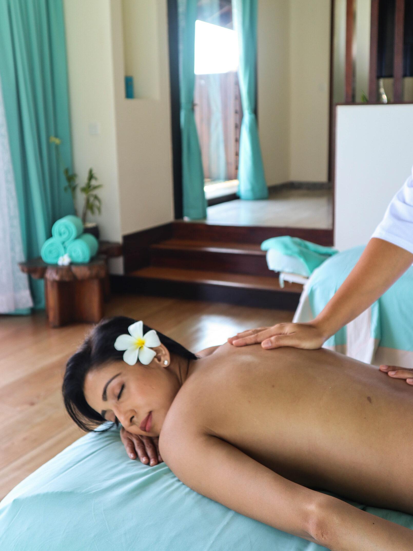 OZEN RESERVE BOLIFUSHI - Spa Massage