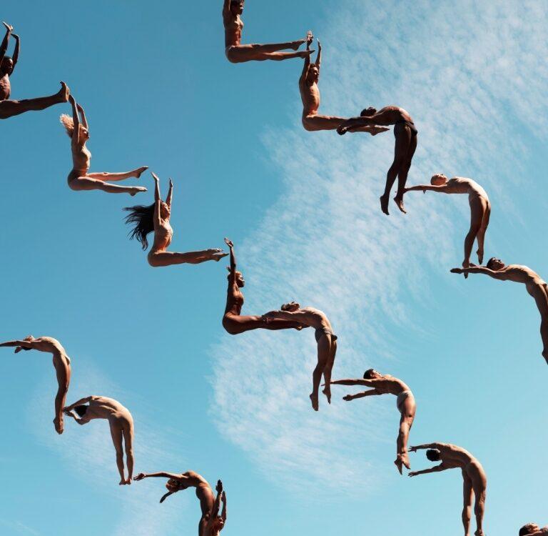 Роб Вудкокс. Восхождение к небу, 2019. Современная авторская печать. C-print, дибонд, глянцевая ламинация, 127 х 112 см, тираж 12 копий
